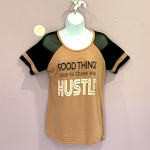Just Be Mesh Sleeves Black Tan Graphic Tee Size M